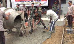 TNI-Polri Bersihkan Gereja Oikumene Sengkotek