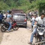 Warga Batu Besaung Blokir Jalan  Akses ke L-2 dan Berambai