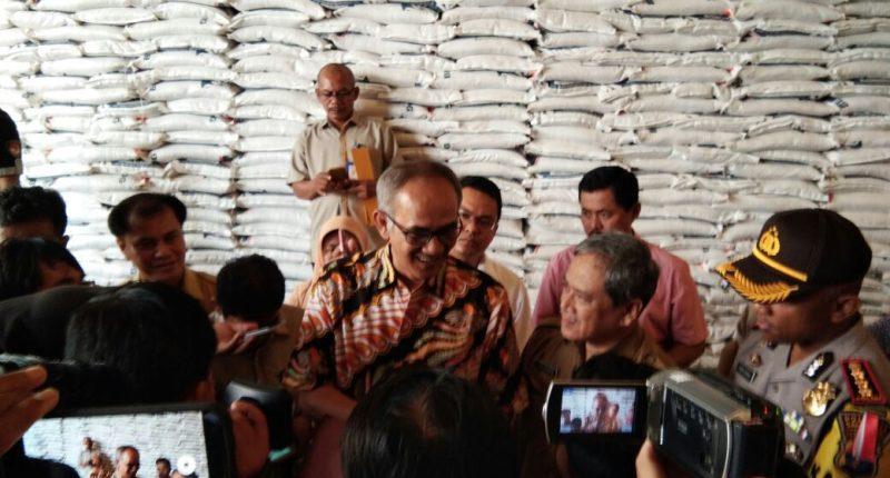 Pemerintah Distribusikan Bahan Pokok Satu Bulan Sebelum Puasa