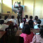 Prajurit Satgas TMMD Jadi Guru Sukarela di Kubar