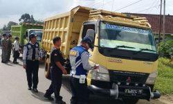 Sudah Dua Hari Dishub Kubar Tertibkan Truck Angkutan Sawit dan CPO