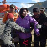 BREAKING NEWS: Tim Gabungan Berhasil Evakuasi Pendaki Gunung Rinjani