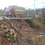 Kerusakan Jalan Poros Bontang-Sangatta Membahayakan Pengguna Jalan