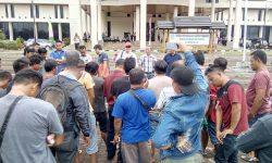 Mengadu ke DPRD Kubar, Biaya Angkutan Sawit Dipotong Sebuah Ormas