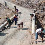 Satgas Pamtas Bantu Perbaikan Jalan Lingkar Sebatik yang Putus