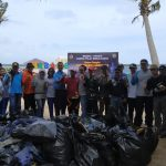 Danlanal Sangatta Bersihkan Pulau Beras Basah dari Sampah