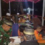Satgas Yonif Raider 613/Raja Alam Ajari Anak-anak di Perbatasan Mengaji