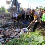 HPSN 2019 di Sangatta, Polres Kutim Ajak Bersih-bersih Lingkungan