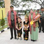 Danrem 091/ASN dan Ketua Persit Kunjungi Kodim Tenggarong