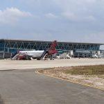 Penerbangan di Bandara APT Pranoto Dibuka Lagi Setelah Tutup 7 Jam