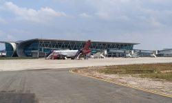 Taxiway Bandara APT Pranoto Bermasalah Lagi, Dua Pesawat Dialihkan