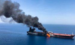 Dua Kapal Minyak di Teluk Oman Diduga Diserang