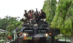 Panser Milik TNI Disiagakan Evakuasi Korban Banjir