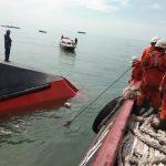 Dihantam Gelombang 2 meter, LCT Muatan Koral Tenggelam di Berau