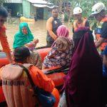 SAR Samarinda Evakuasi Warga di Pemuda 3 Dalam