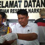 Menyamar, Kasat Reskoba Ikut Antre Beli Sabu di Pasar Segiri
