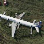 Pesawat Rusia Tabrak Kawanan Burung, Mendarat Darurat, Penumpang Selamat