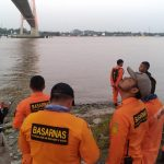 Bertengkar dengan Pacar, Rizky Melompat ke Sungai Mahakam