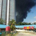 Area Kilang Pertamina Balikpapan Terbakar!