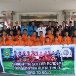 Ikuti Turnamen Piala Menpora, Bupati Ismunandar Lepas Tim Sepakbola U-14 ke Solo
