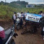 Kondisi Jalan ke SMPN 38 di Loa Bakung Viral di Medsos