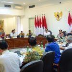 Beri Layanan yang Baik Kepada Investor, Jokowi: Menteri Jangan Minta Dilayani