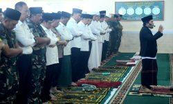 Presiden Jokowi Laksanakan Salat Minta Hujan di Pekanbaru