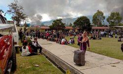 Wamena: Ribuan Warga Pendatang Mengungsi Sejak Kerusuhan Berdarah Pecah