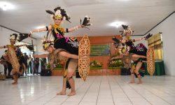 Tari Perang Adat Dayak Dilombakan, Bentuk Cinta Budaya Tanah Air
