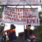 Polisi Pertahankan DPRD Kaltim dari Upaya Pendudukan Demonstran