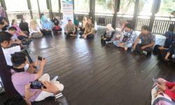 Kabag Humaspro Sosialisasikan Narasi Tunggal ke Jurnalis