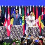 Jokowi: Dalam Tas Notaris Harusnya Ada Laptop yang Terkoneksi Internet