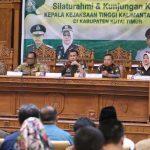 Anjangsana Kajati Kaltim ke Kutim Sampaikan Pesan Presiden Joko Widodo
