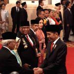 Presiden Jokowi Berikan Anugerah 6 Pahlawan Nasional