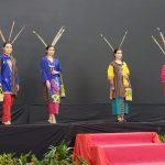 Sarung Samarinda Berkilau di Lombok