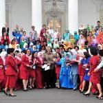 Hampir Tiap Anak Pegang Gadget, Presiden Jokowi Ajak Ibu-Ibu Banjiri Medsos Dengan Narasi Positif