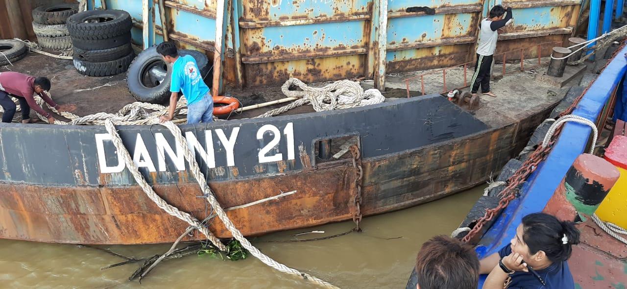 Pencarian Juru Mudi Tugboat Danny 20 yang di Kabarkan Tenggelam di Sungai Mahakam