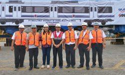PT INKA (Persero) Ekspor 2 Rangkaian Kereta DMU ke Filipina