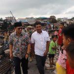 Gubernur Tinjau Pasar Batu yang Terbakar dan Warga Terdampak
