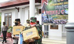 Tiap Minggu, TNI-Polri, Kejari, IDI, dan Kadin Bagikan 100 Paket Sembako