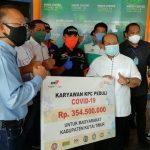 Hari Buruh, Karyawan KPC Serahkan Rp354,5 Juta Buat Lawan COVID-19