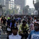 Masyarakat Belum Tertib Menerapkan Jaga Jarak Aman Saat CFD di Jakarta