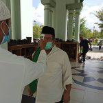 Ismu Shalat Jumat Berjamaah di Masjid Agung Al Faruq