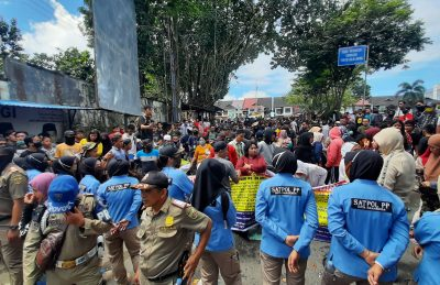 Hari Eksekusi Bangunan di Bantaran SKM Diwarnai Tuntutan Ganti Rugi
