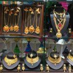 Warga Berpaling ke Emas Setelah Covid-19 di India Picu Krisis Perbankan