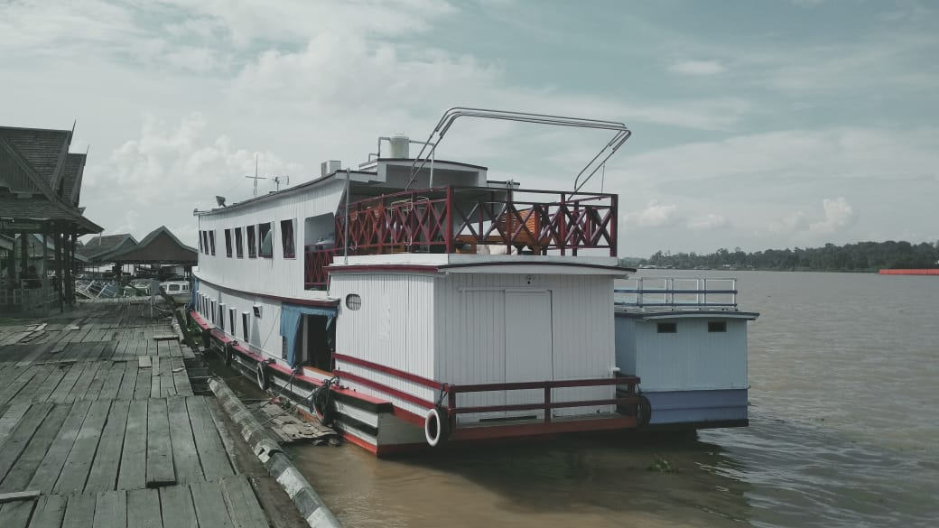 Queen Orca Kapal Wisata Hanyar Sungai Mahakam Niaga Asia
