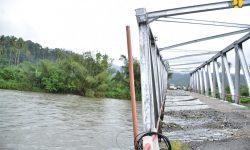 Pemerintah Tangani Jembatan Rusak Akibat Banjir di Sulut dan Pulau Seram, Maluku