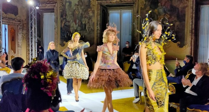 Milan Fashion Week, 10 Adibusana Maquinn Couture dari Indonesia Tuai Pujian