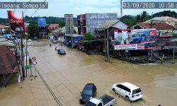 Balita Hilang Diduga Terseret Arus Banjir di Samarinda