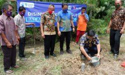 Karyawan XL Axiata Bangun Pembangkit Listrik di Pelosok Kalbar